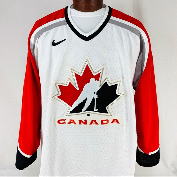 size 40 4caee 77156 Canada National Team Nike Hockey Jersey Size L